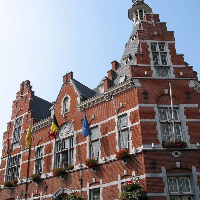 Stadhuis van Waremme - copyright Jean-Pol Grandmont